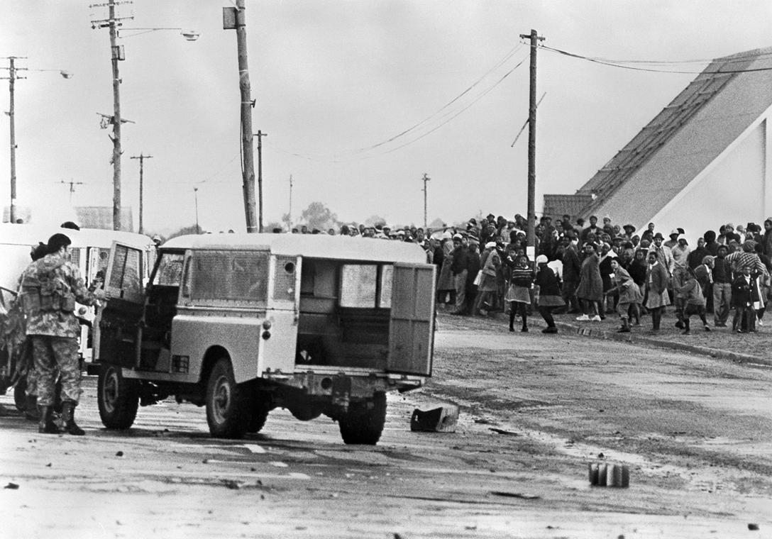 afp.1976. - Fokvárosi szembenállás - Apartheid nagyítás