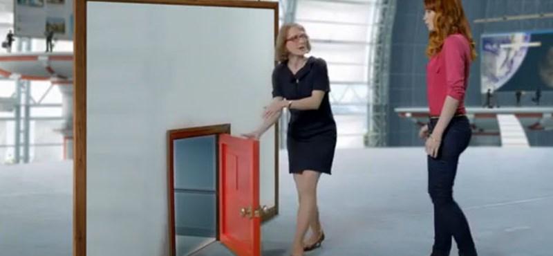 A Microsoft és Felicia Day együtt keresi a legjobb reklámokat