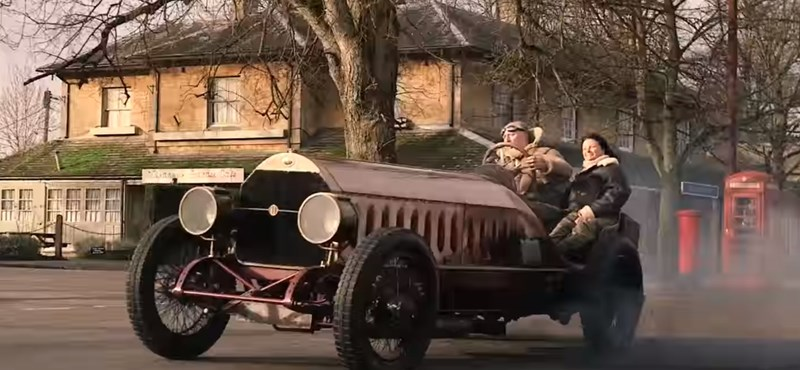 Ilyen, ha egy 1905-ös Fiatba egy repülőgépmotort szerelnek – videó