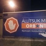 Állítsuk meg Orbánt! - a Momentum meghekkelte a kormány plakátkampányát (fotó)