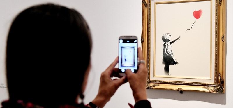 """Képeket tett közzé Banksyről korábbi ügynöke """"width ="""" 800 """"height ="""" 370"""