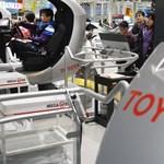 Negyvenhárom éves mélyponton az autóeladás Japánban