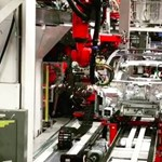 Különleges videót posztolt a Tesla-gyárból Elon Musk