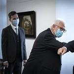 Meghátrálhatott a kormány az orvosok előtt
