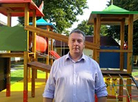 Önkormányzati logóval kampányolt a fideszes alpolgármester – jogsértést követett el