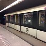 Kéregetőt vertek a metrón a biztonsági őrök – videó