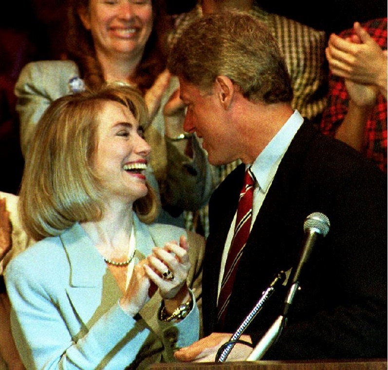 1992.07.14. - Hillaryval - before his address to the Women's Caucus of the 1992 Democratic National Convention, New York. Clinton is campaigning in New York along with his running mate Sen. Al Gore - CLNTNAGY