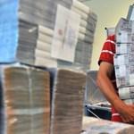 Négy szőnyeget vett az MNB alapítványa 23 millió forintért