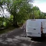 Kisbabájával az utastérben próbált revansot venni egy kamionoson egy sofőr