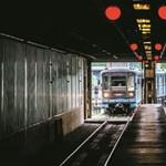 Vitába keveredett a kormány az EU bankjával a metrókocsik miatt