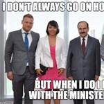 Elárulta Szijjártó, hogy Orbán Ráhelék diplomata útlevéllel csokiztak-e Bahreinben