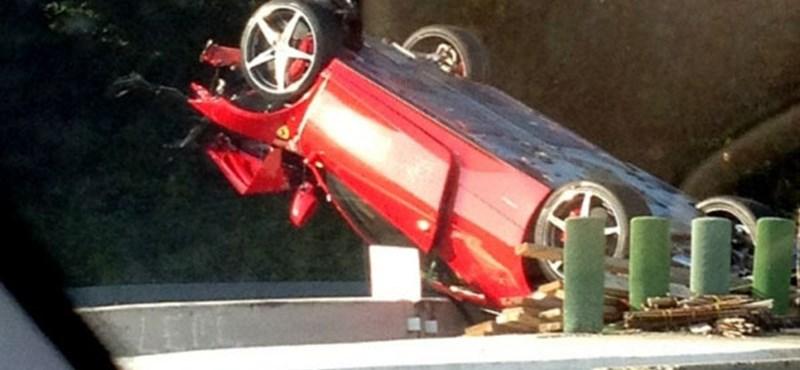 Tetejére borult egy Ferrari 458 Italia az Egyesült Államokban