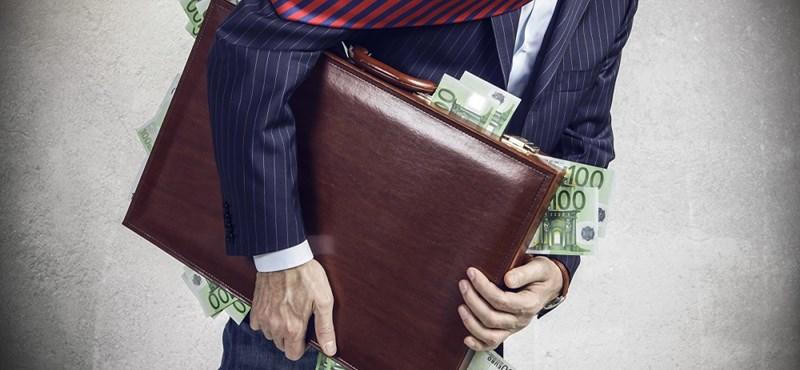 Külföldre költözött az adósa? Sebaj, visszaszerezheti a pénzét!