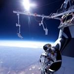 Fotó: szabadesés, közel a világűr pereméhez