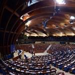 Tízmilliókért szerződött egy korrupciós ügyben érintett belga politikus cégével a Fidesz alapítványa