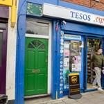 Nem sokat gondolkodott ez az angol boltos, amikor átnevezte az üzletét