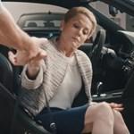 Videó: Ezt a BMW-t nem városi araszolásra találták ki
