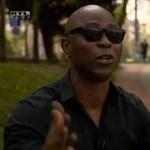 Rendőrt hívtak Fekete Pákóra, mert migránsnak nézték