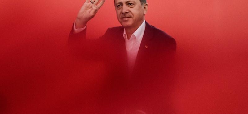 Augusztus végén derül ki, Szigetvárra jön-e Erdogan