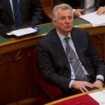 """Német lap: """"Schmitt Pál megpróbálja kibekkelni a plágiumügyet"""""""