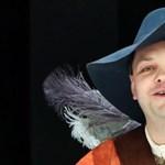 Nyolc nap börtönt kapott egy orosz színész, mert részeg rendőrt alakított