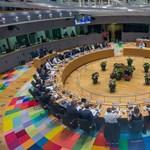 Mégsem kell majd fizetniük az újságíróknak, ha az EU-csúcsokról akarnak tudósítani