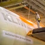 Különleges festést kapott a KLM egyik repülője – videó, fotók