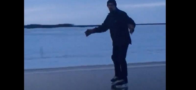 Olyan hideg van Kanadában, hogy korcsolyázni lehet az úton – videó