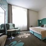 A szállodaszövetség szerint itt az ideje, hogy a védettek újra mehessenek éttermekbe és szállodákba