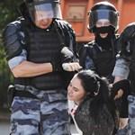 Több mint háromszáz ellenzékit vettek őrizetbe Moszkvában