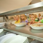 Meghökkentő eredmények: ezt eszi 32 millió diák a menzán