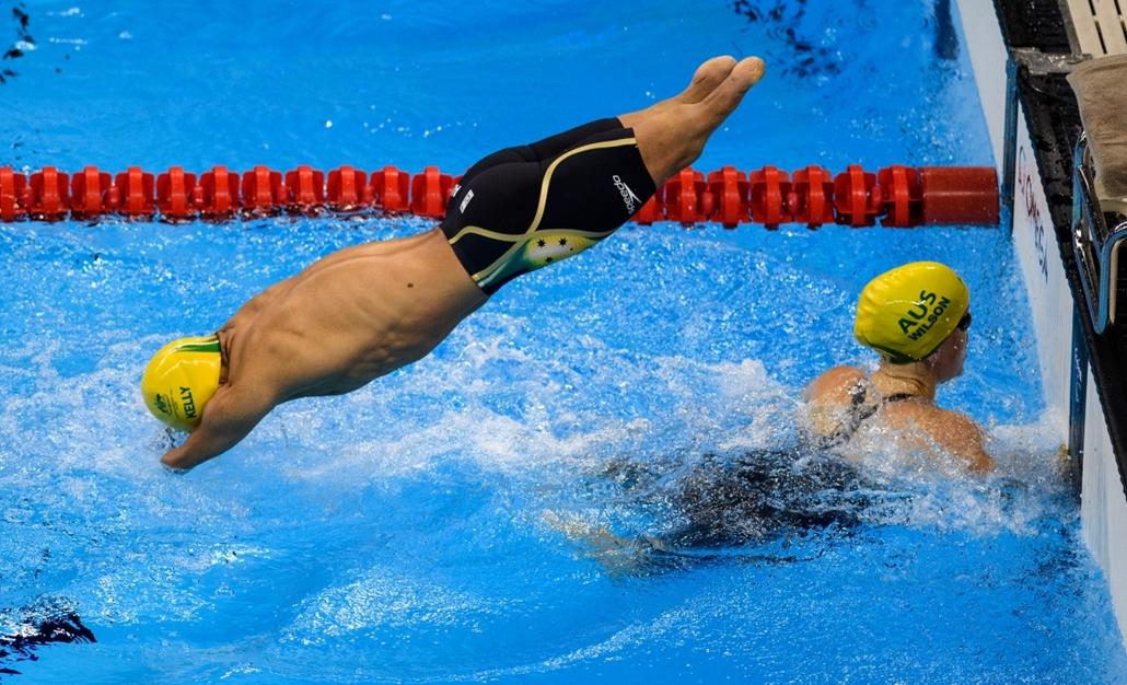 afp.16.09.09. - Az ausztrál Ahmed Kelly (balra) és Kate Wilson a 4x50 méteres vegyes gyorsváltó számban. - paralimpia, olimpia 2016, riói olimpia