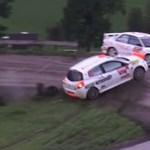Ilyen, amikor Renault Clio csap szét egy Evo III-as Mitsubishit - videó