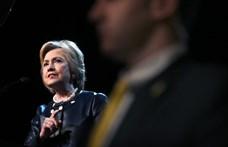 Videón Hillary Clinton autóbalesete
