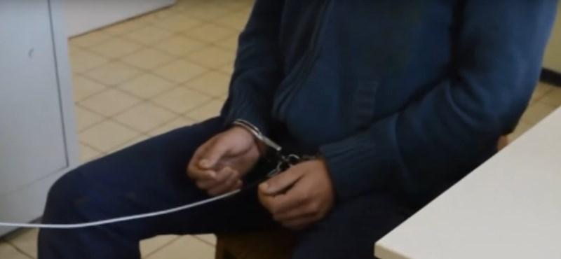 Több száz kislánytól kért pornográf fotókat egy csongrádi férfi
