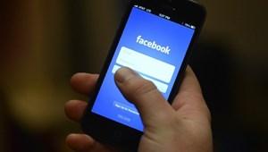Kiderítették, kiket fenyeget az okostelefon-függőség