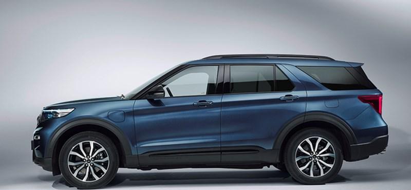 BMW X5 áron debütál Európában a Ford zöld rendszámos nagy SUV-ja
