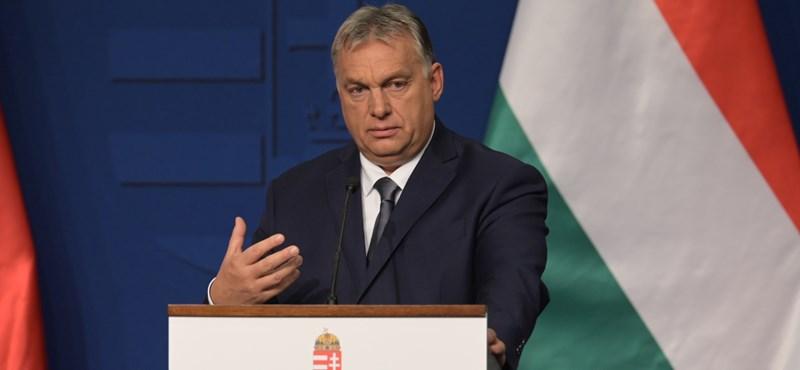 Orbán Viktor jelenti: esik a hó