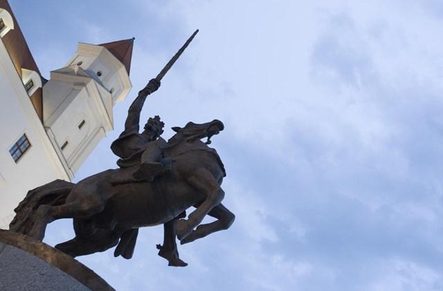 A választás előtti hétvégén felavatott Szvatopluk szobor Pozsonyban