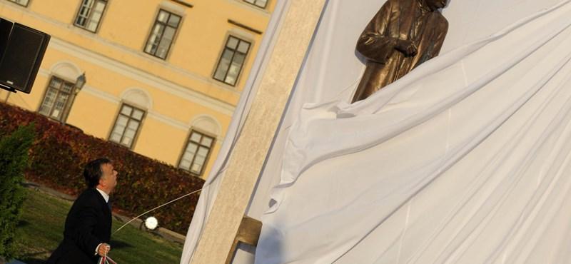 Bethlen Istvánhoz hasonlította magát Orbán Viktor