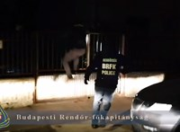 Hiába próbálkozott, nem tudott megszabadulni a bizonyítékoktól az amatőr betörő – videó