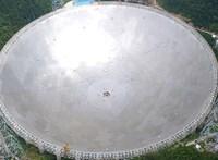 Kína beveti az 500 méter átmérőjű teleszkópját, hogy életjelet keressen a Földön kívül