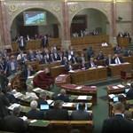 Gyurcsány cégéről is tesznek fel ma kérdést a parlamentben
