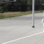 Videó: így működik a Scania áramszedős kamionja