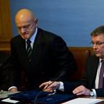 Orbánék tovább kivételeznek a közszolgákkal