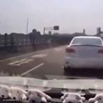 Videó: csúnyán átverték az autópályán gonoszkodót
