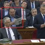 Németh Szilárd Magyar Nemzetet olvasott Orbán beszéde alatt
