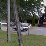 Híres Makovecz-építményt bontottak el, hogy irodaház épüljön a helyén
