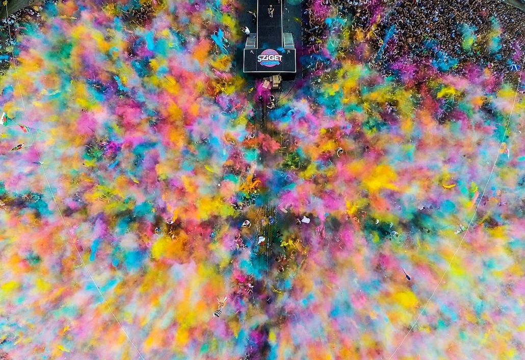 NE HASZNÁLD! -e_! sajtófotó 2015., díjazott képek - Művészet, egyedi 1. helyezett - Color party