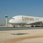 Kiesett a repülőgép ajtaján és meghalt az Emirates utaskísérője